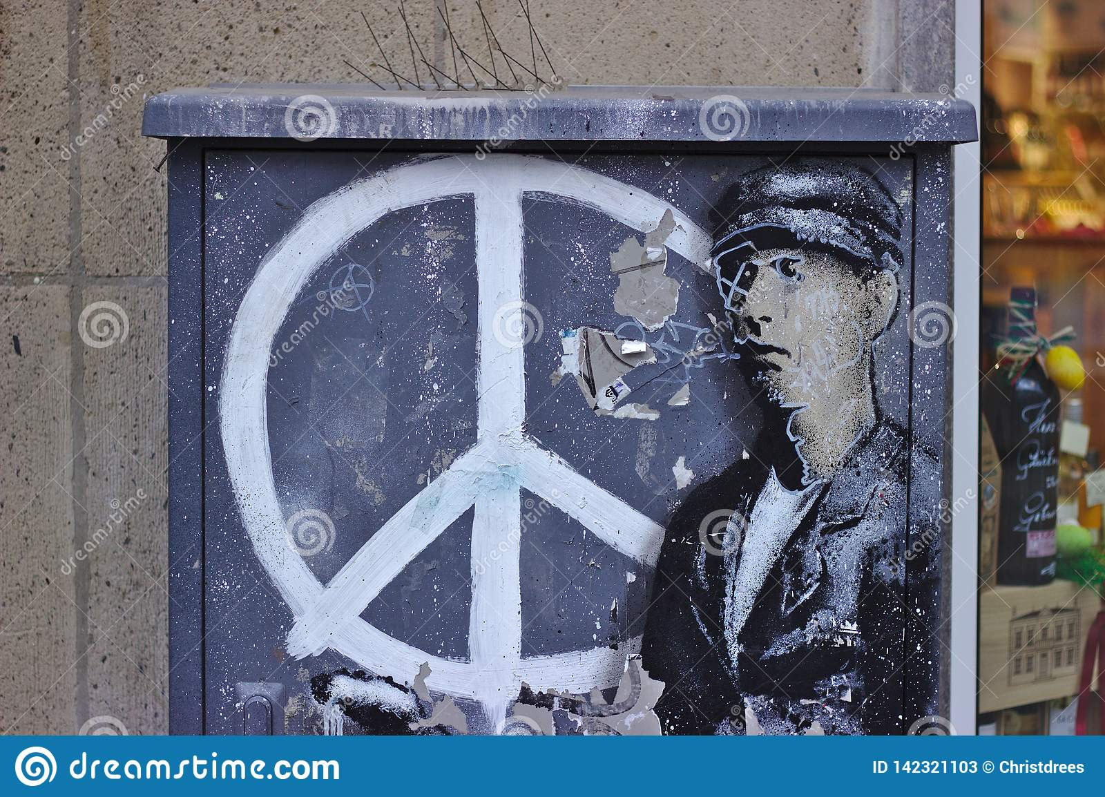 Graffiti with peace sign