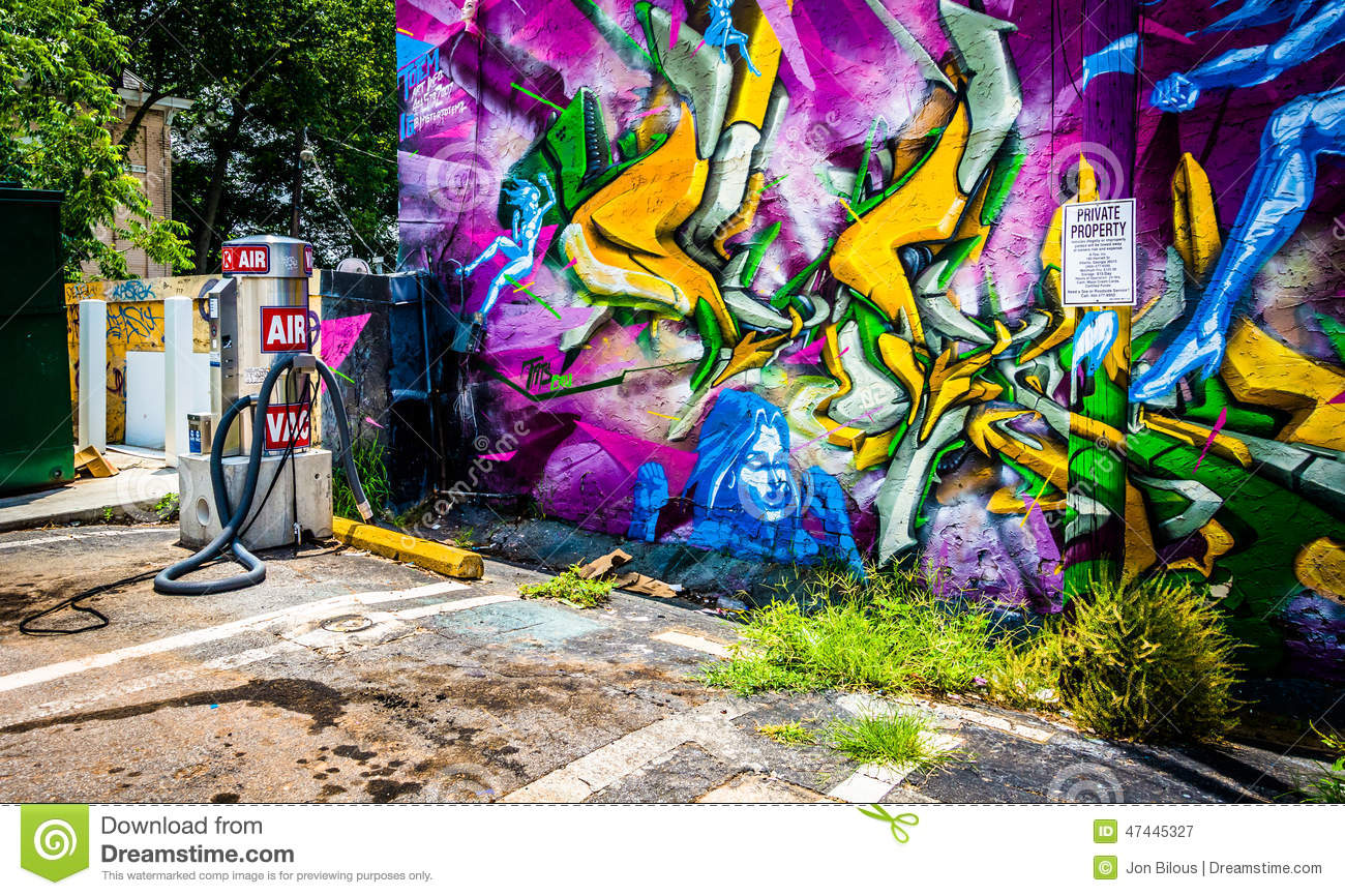 Graffiti wall atlanta - Graffiti On A Wall And An Air Pump At A Gas Station In Little Fi Royalty