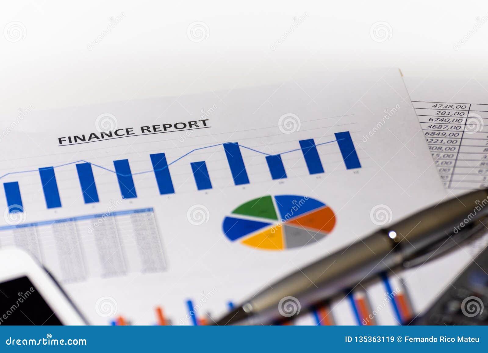 Grafici, diagrammi, tabella di affari Rapporto di finanze
