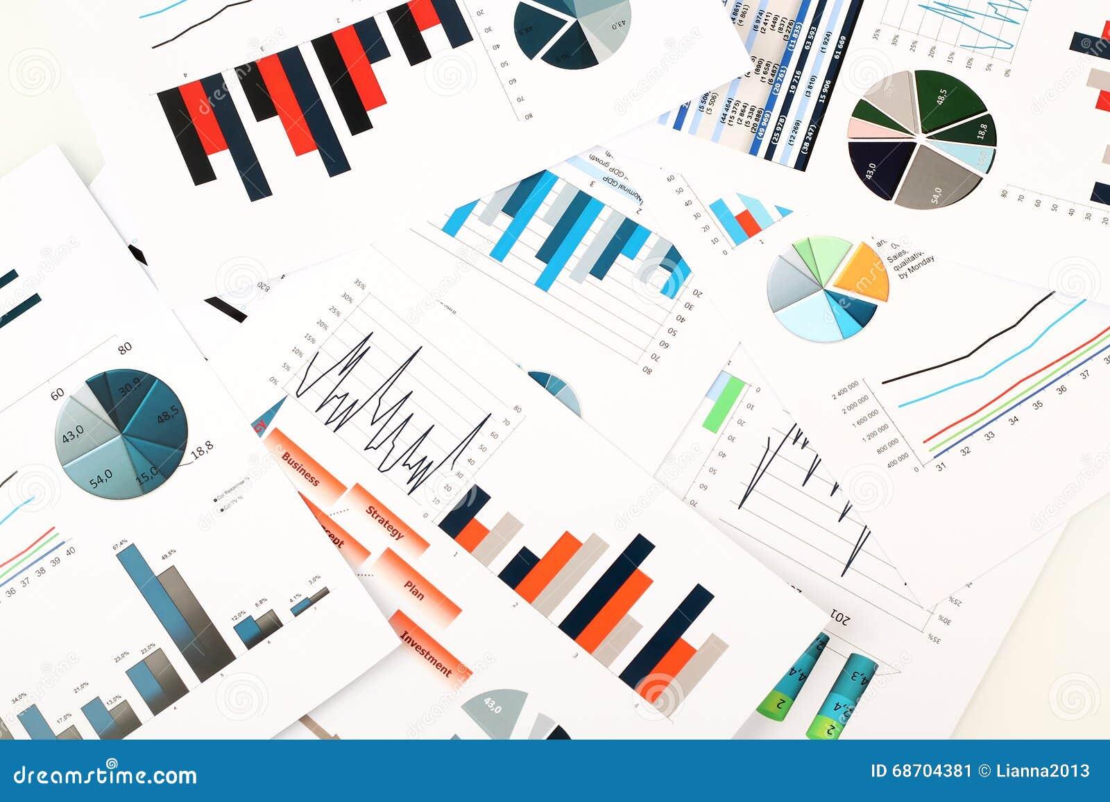 Grafici variopinti, grafici, ricerca di mercato e fondo del rapporto annuale di affari, progetto della gestione, pianificazione d