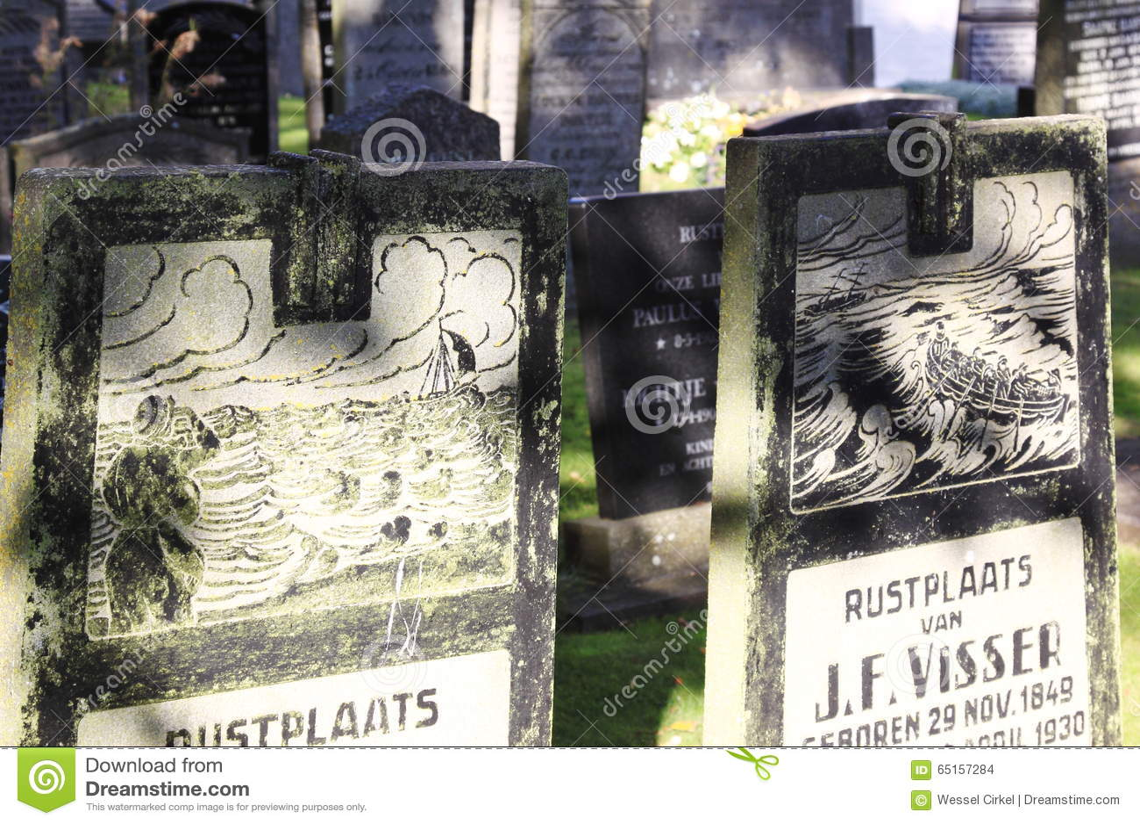 Grafstenen bij Hollum-Begraafplaats, Ameland, Holland