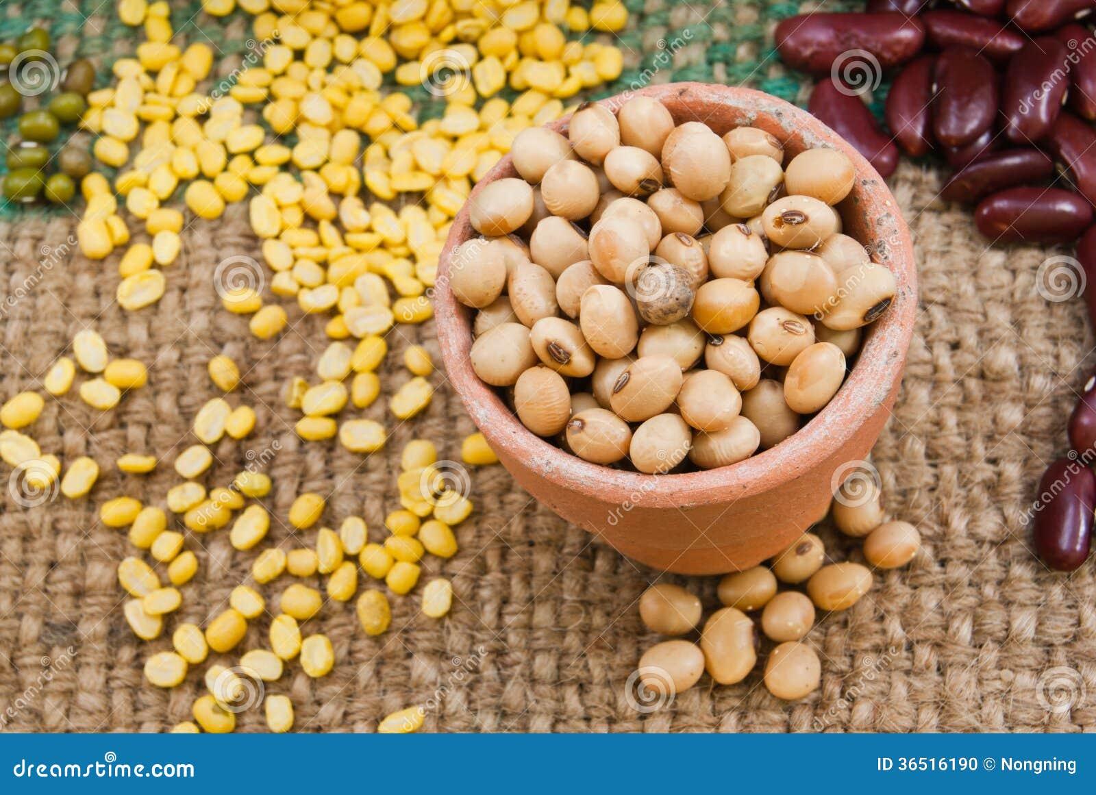 Grains, soja