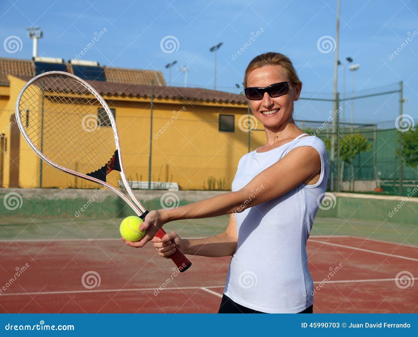 Gram kobietę tenisa