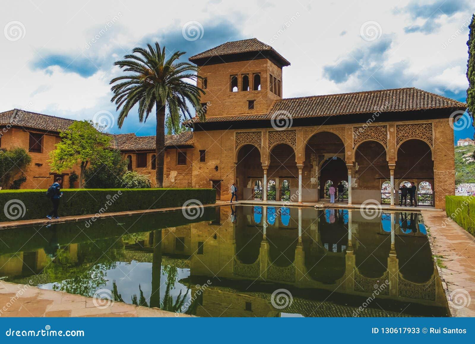 Granada Spanien - 5/6/18: Torre de las Damas El Partal