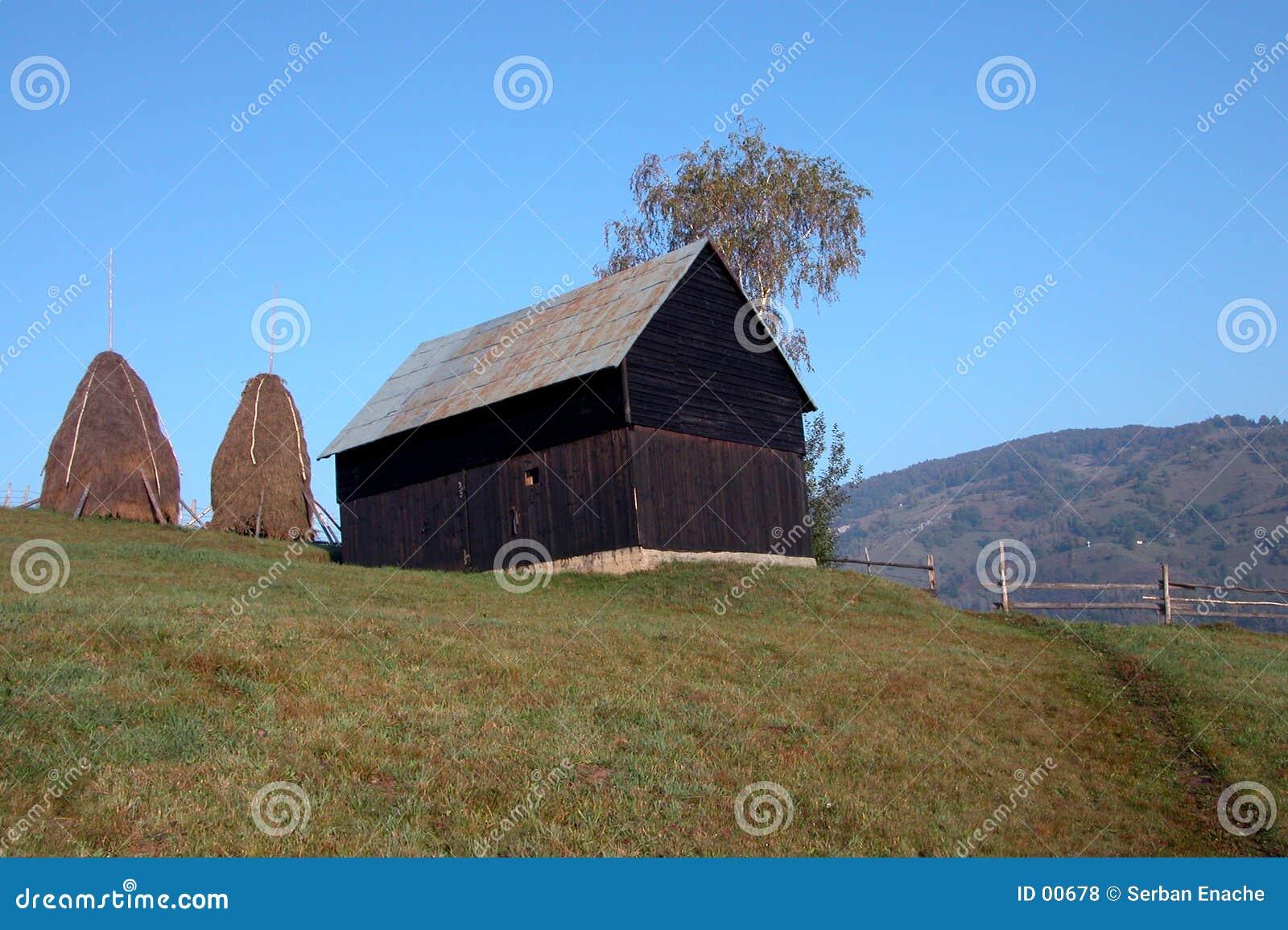 Granaio sulla collina