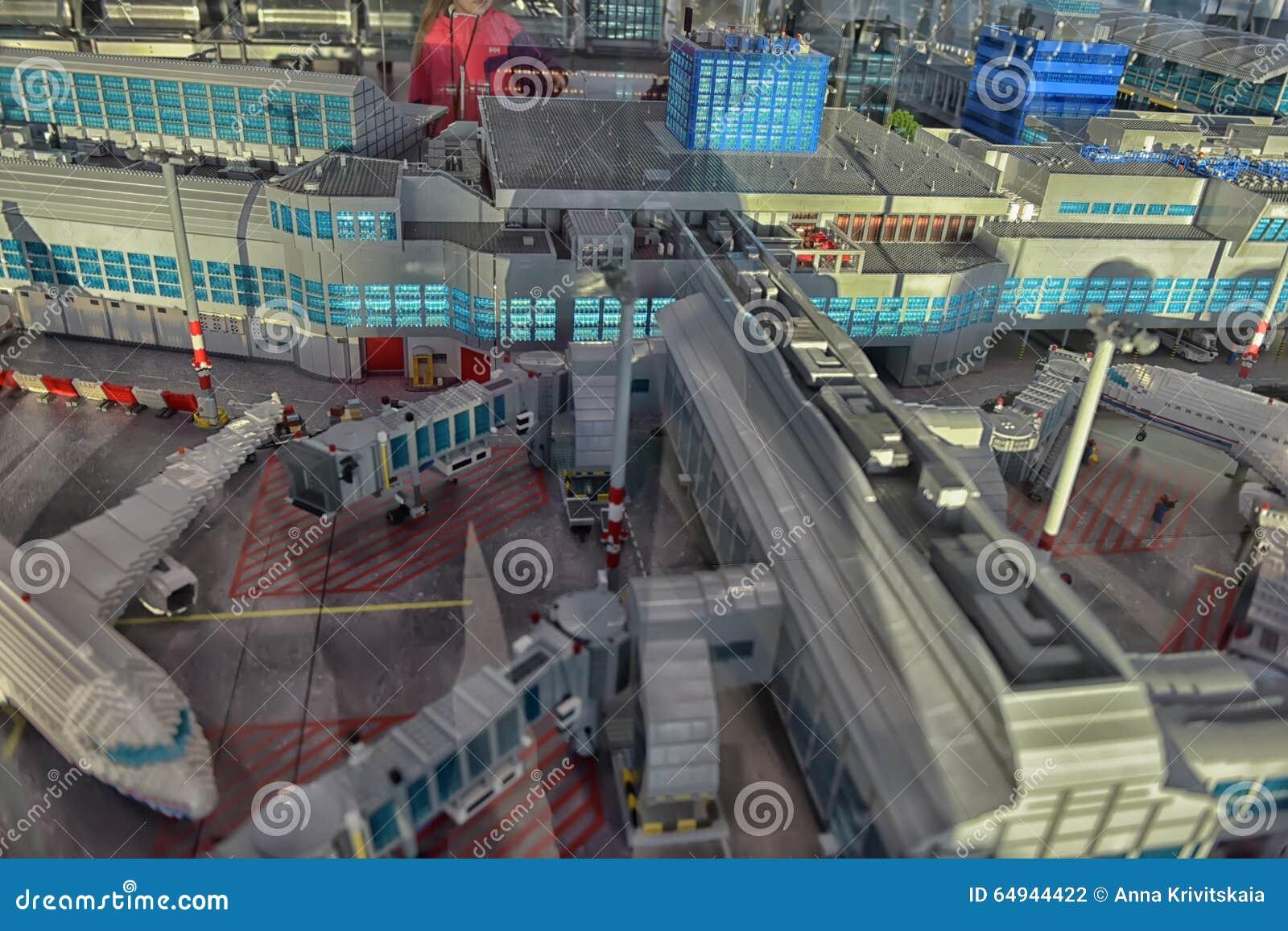 Photographie Aéroport De En Éditorial Fait Disposition Grand Lego 9D2WEHI