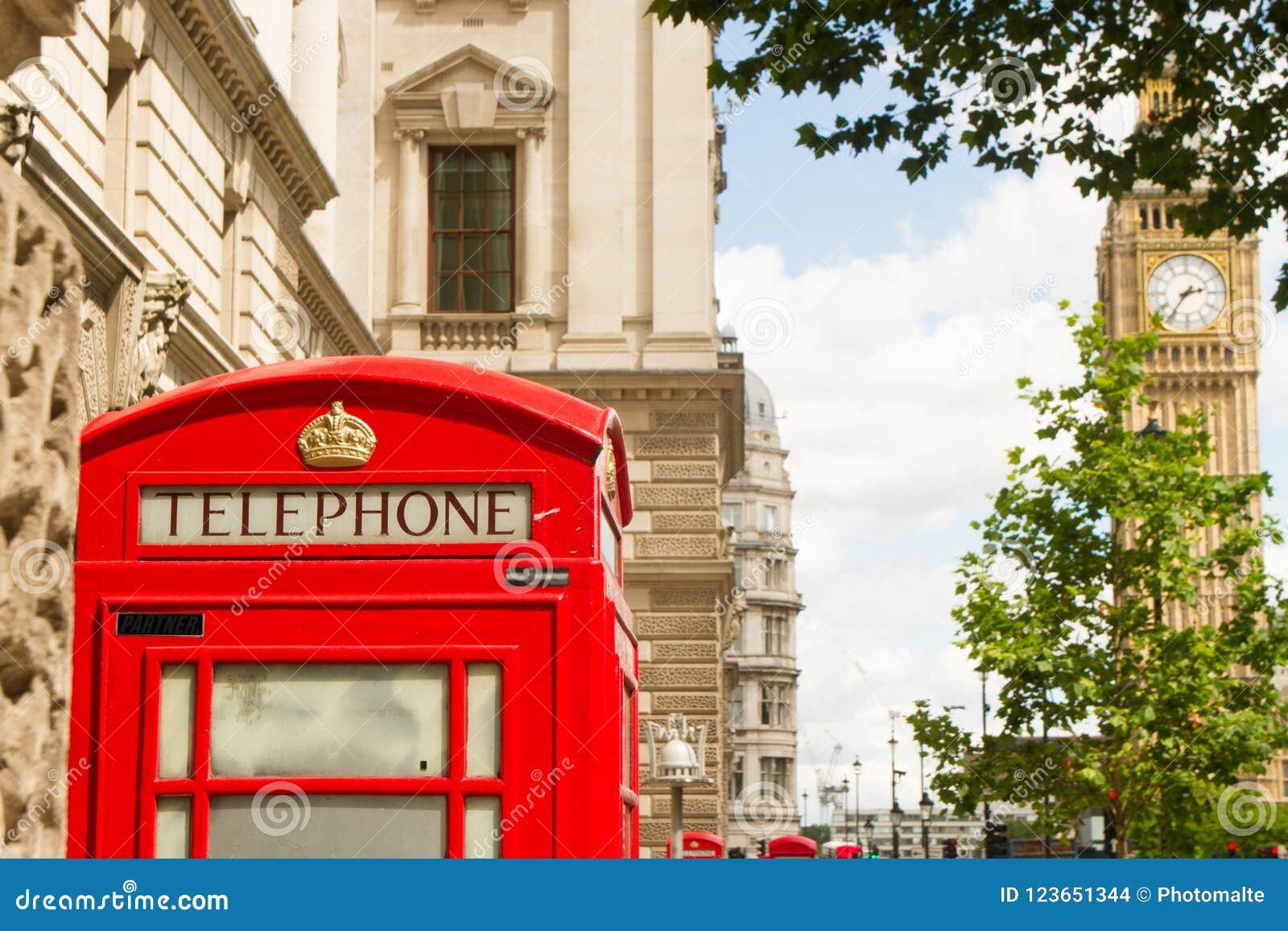 Grand Ben et téléphone