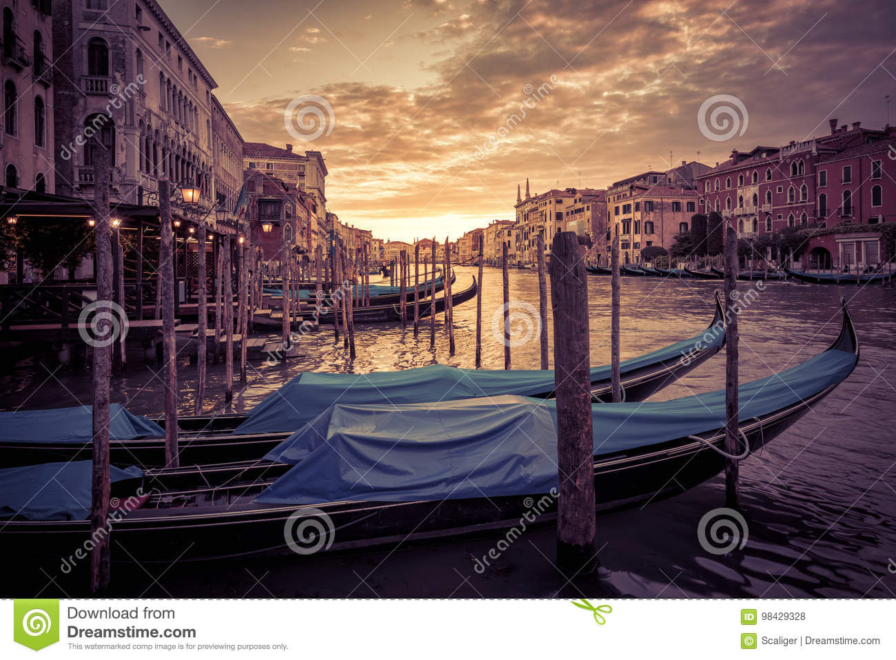 Grand Canal bei Sonnenuntergang in Venedig