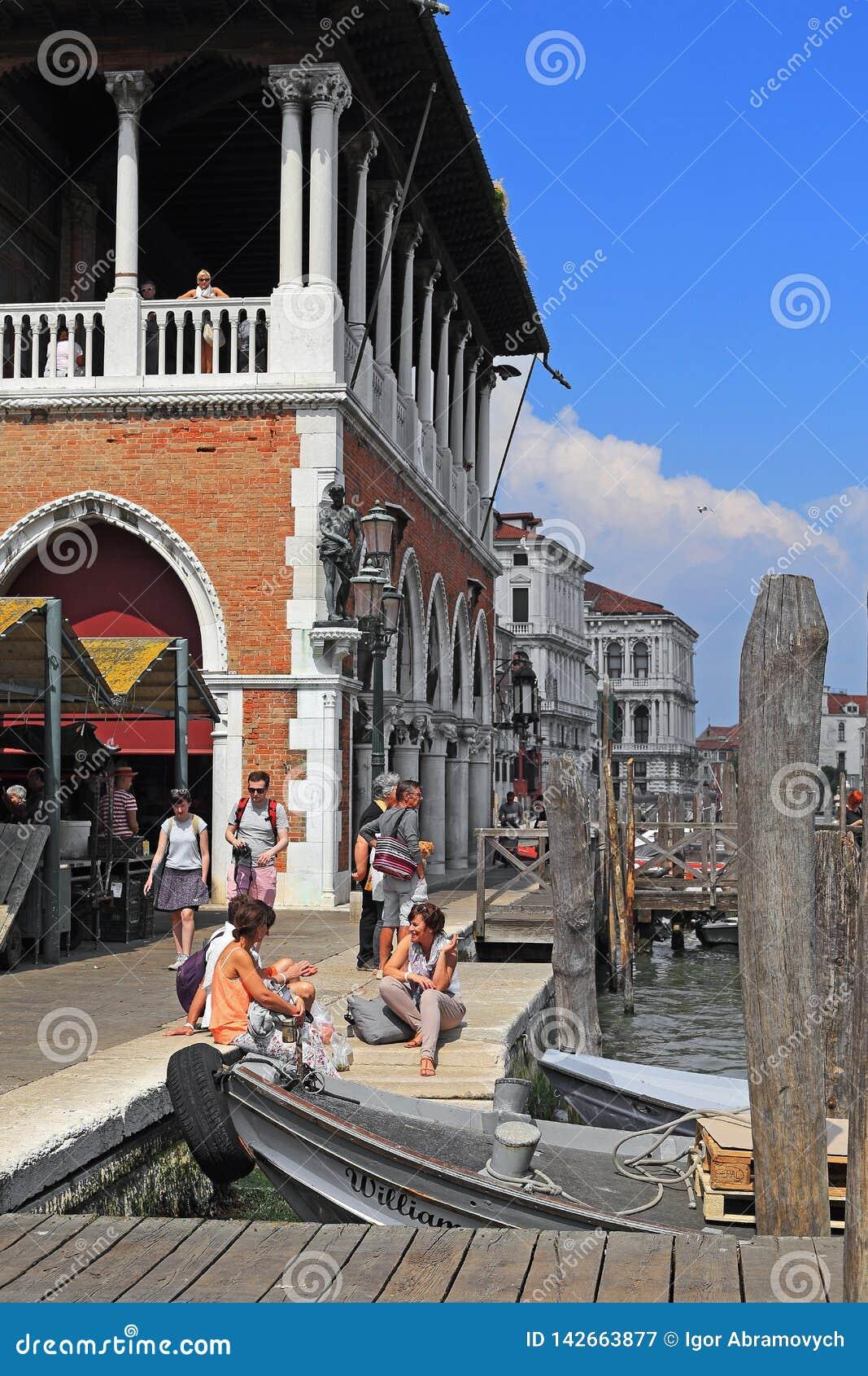 Grand Canal -Dijk bij de Vissenmarkt, Venetië