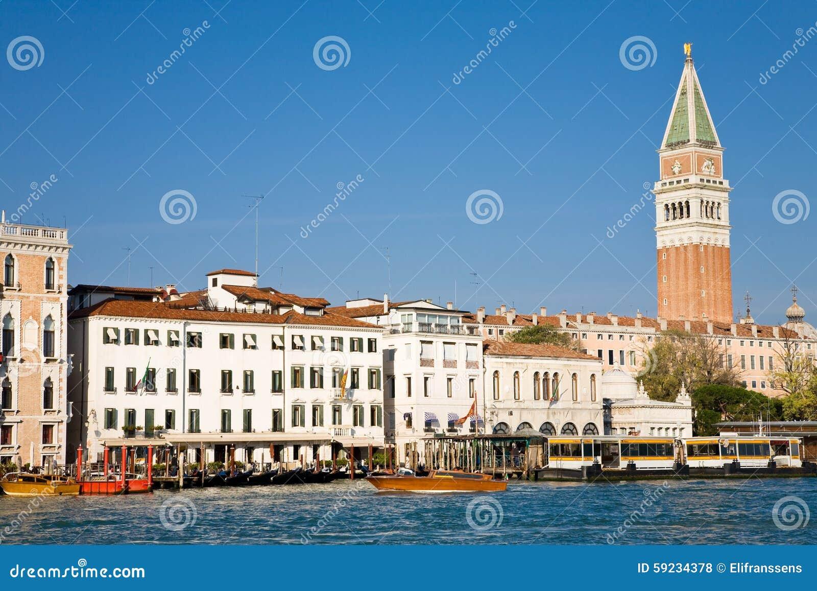 Download Grand Canal Y Campanario, Venecia Foto de archivo - Imagen de edificio, casas: 59234378