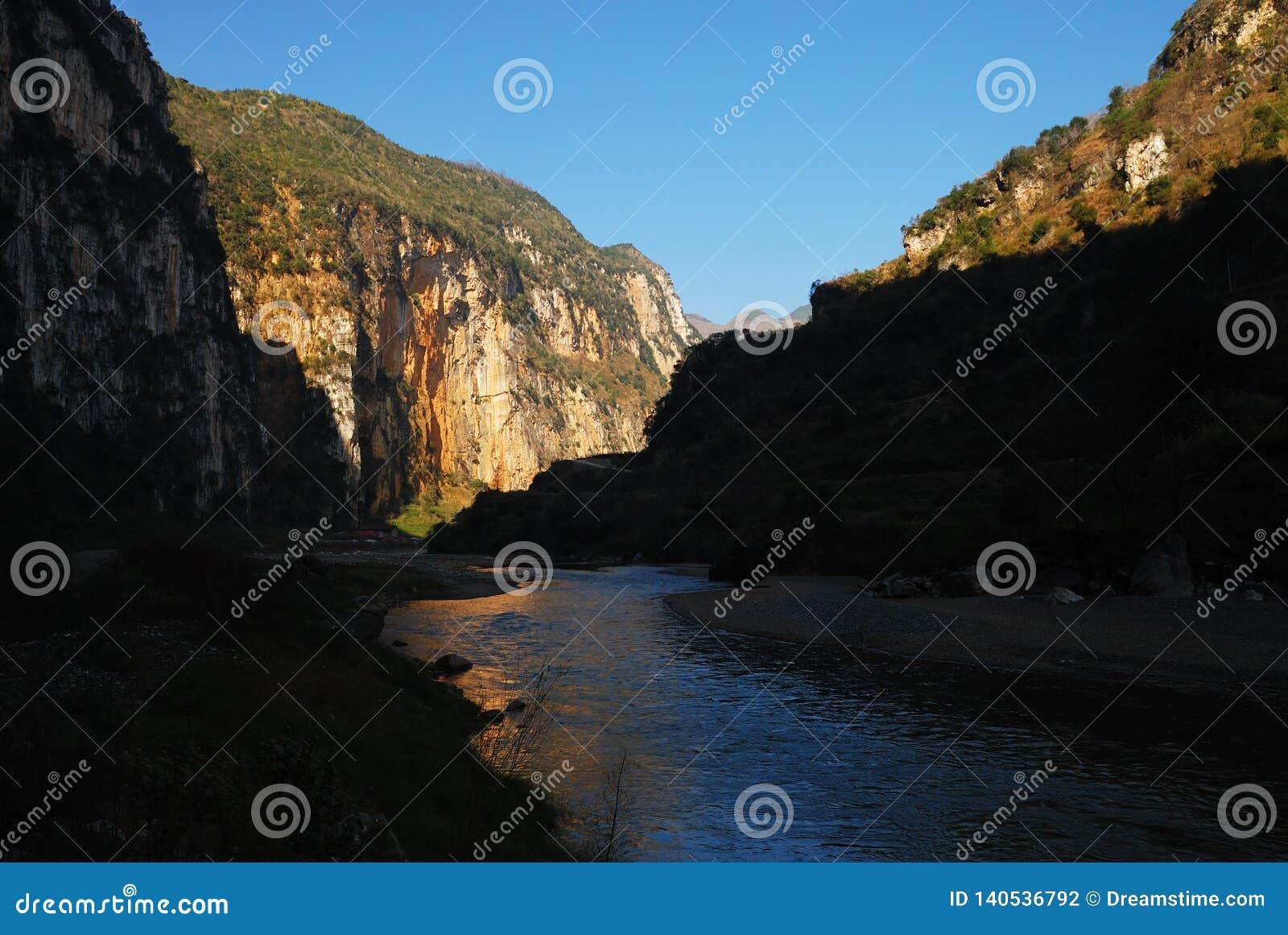 Grand Canyon e fiume curvato di mattina leggeri, Guizhou, porcellana, è µå·ž, ˜æ° del› del ç del å…, ½ del› del ä¸å