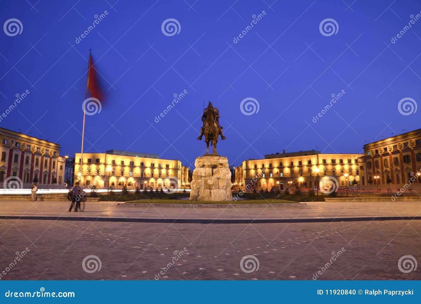 Grand dos de Skanderbeg, Tirana, Albanie