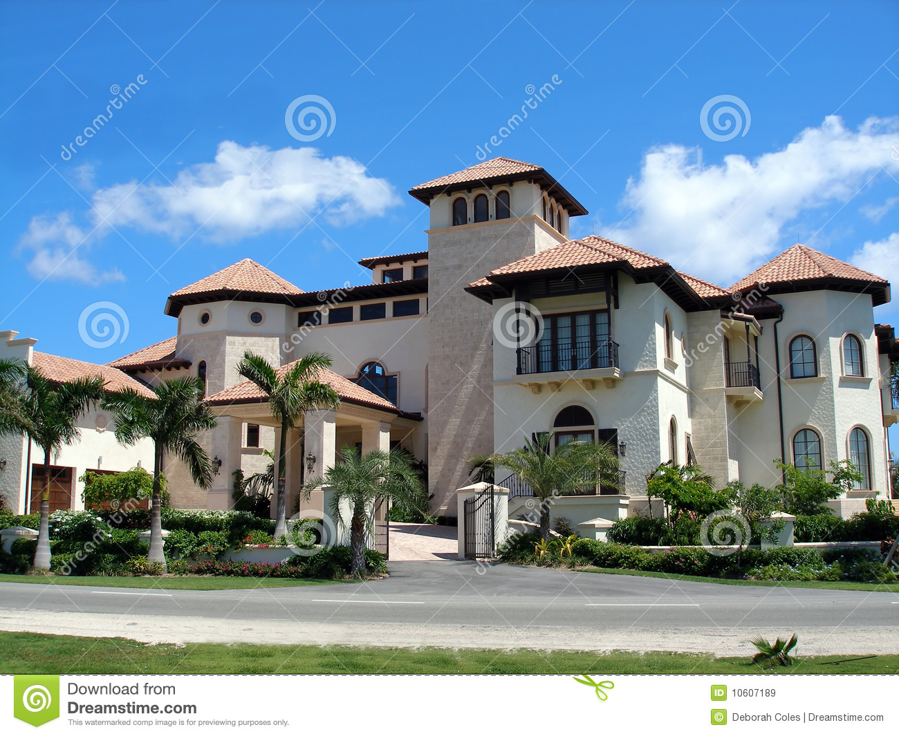 Grand Home On Cayman Royalty Free Stock Images