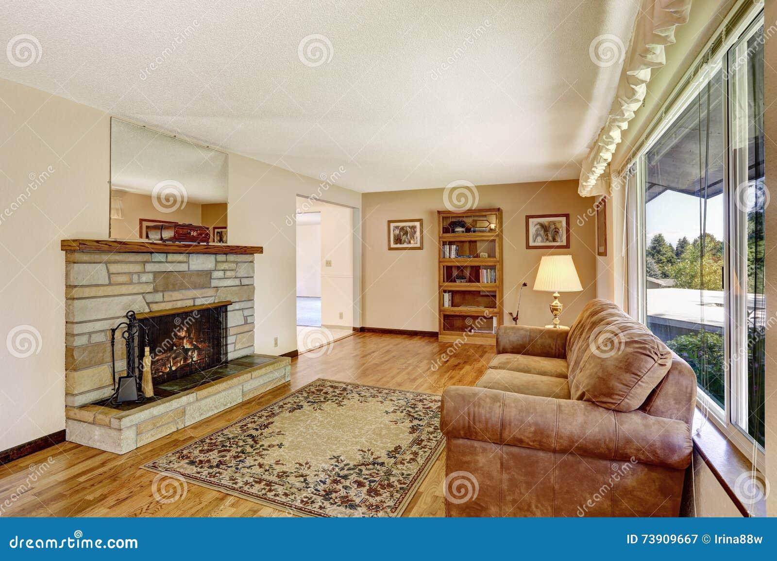 grand int rieur de salon de vieille maison am ricaine avec. Black Bedroom Furniture Sets. Home Design Ideas