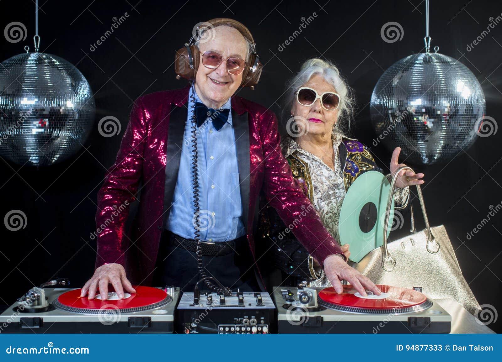 Grand-maman et grand-papa du DJ