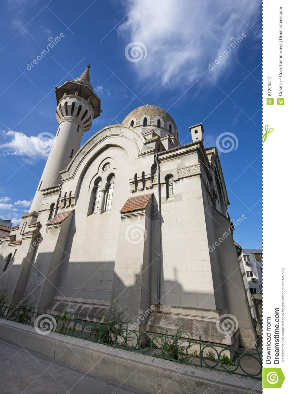 constanta muslim In dobruja, 52% of the population are muslim (constanta county - 66%, tulcea county 15%) there are 77 - 80 mosques in romania and 108 islamic cemetaries.