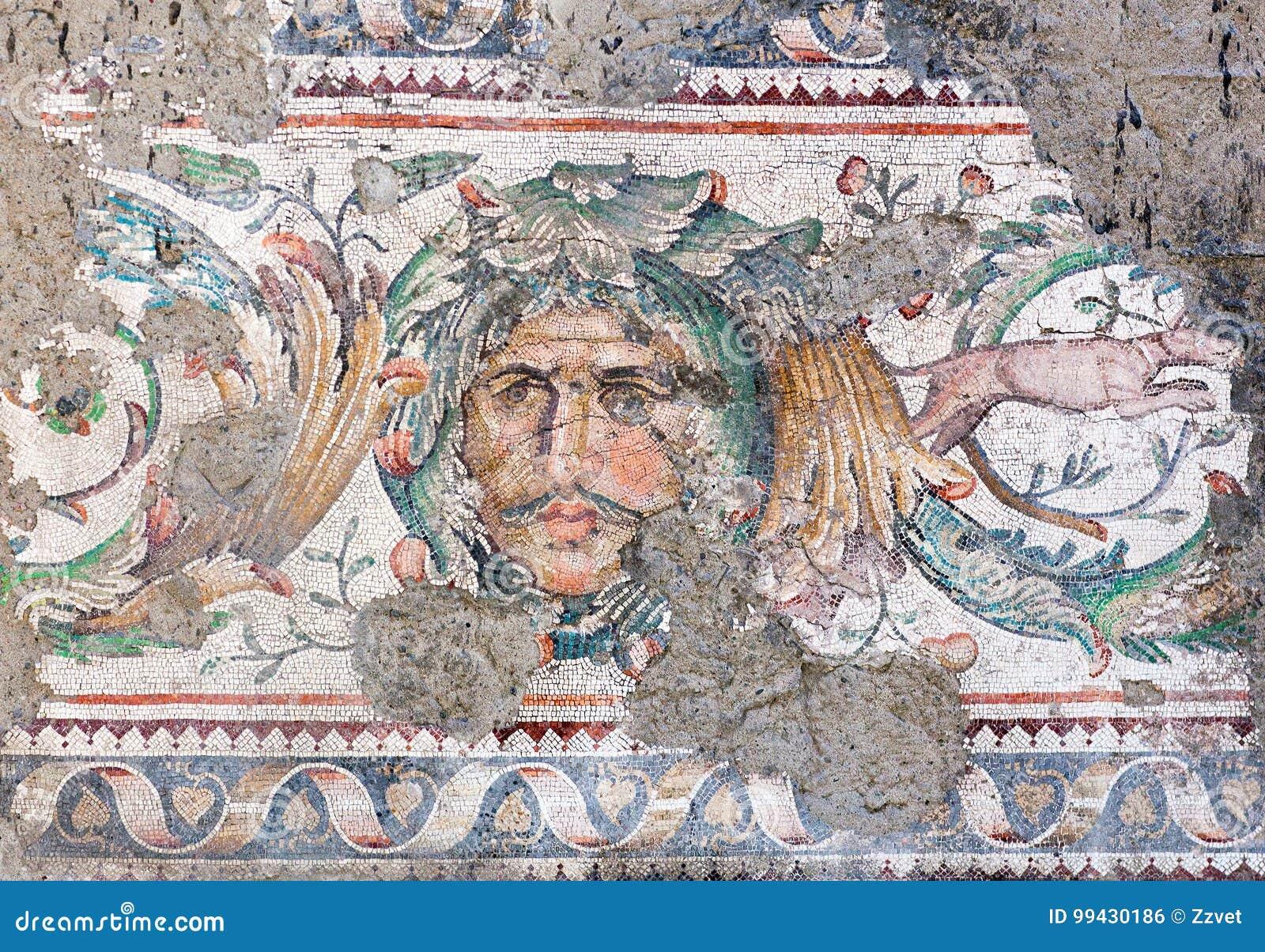 Grand musée de mosaïque de palais à Istanbul, Turquie