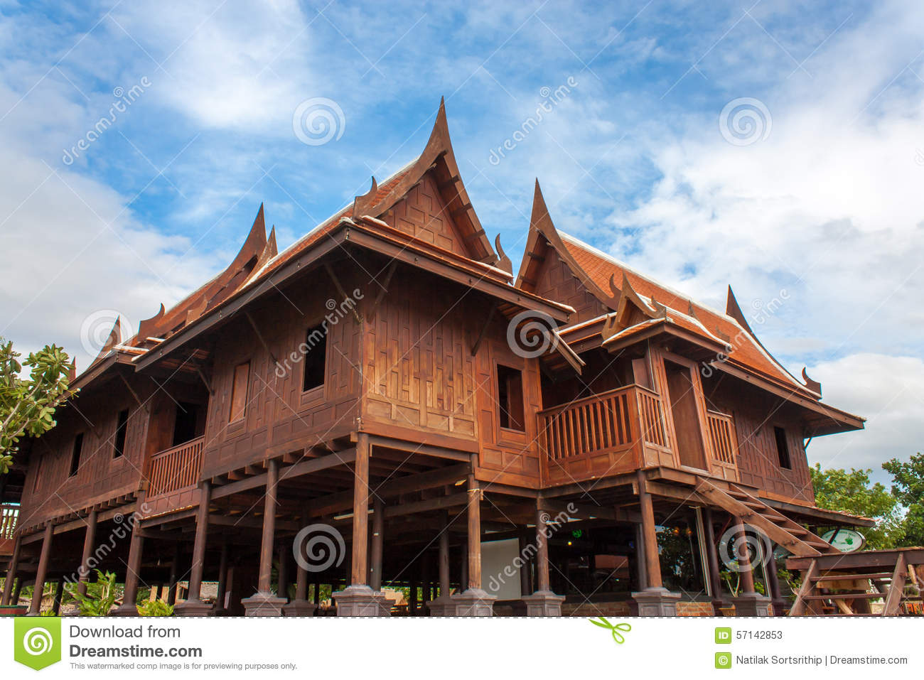 Grand old thai house stock photo image 57142853 for Thai classic house