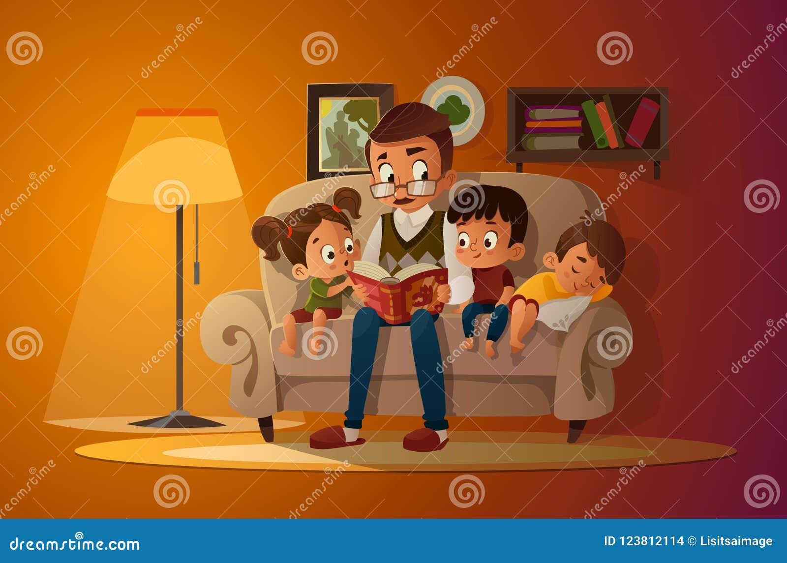 Grand-père s asseyant avec des petits-enfants sur un sofa confortable avec le livre, lecture et racontant à livre l histoire de c