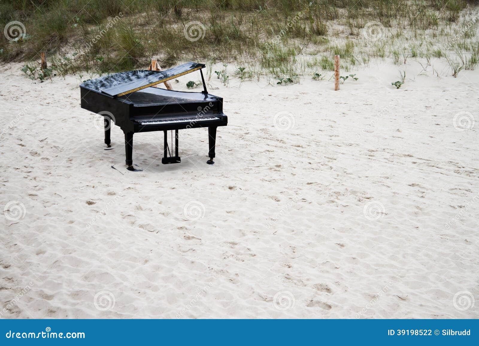 Grand Piano On The Beach Stock Photo - Image: 39198522