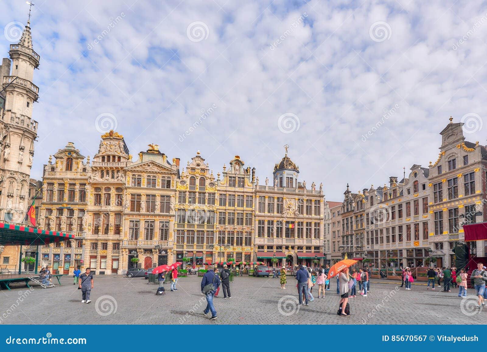 Groot Vierkant Balkon : Grand place grote markt centraal vierkant van brussel het is su