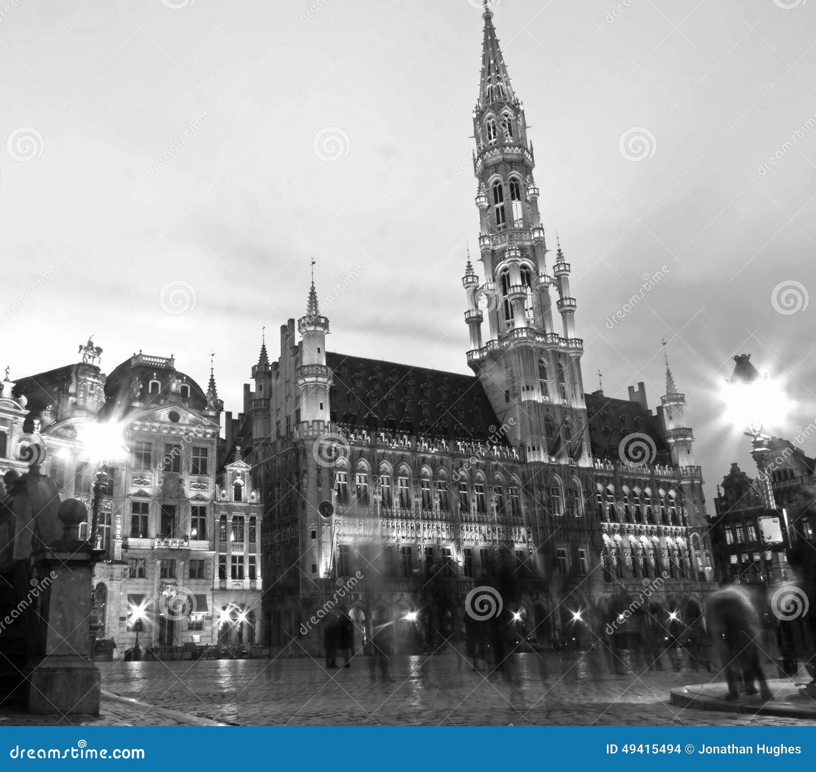 Download Grand Place -Monochrom Timelapse Stockfoto - Bild von einfarbig, lang: 49415494