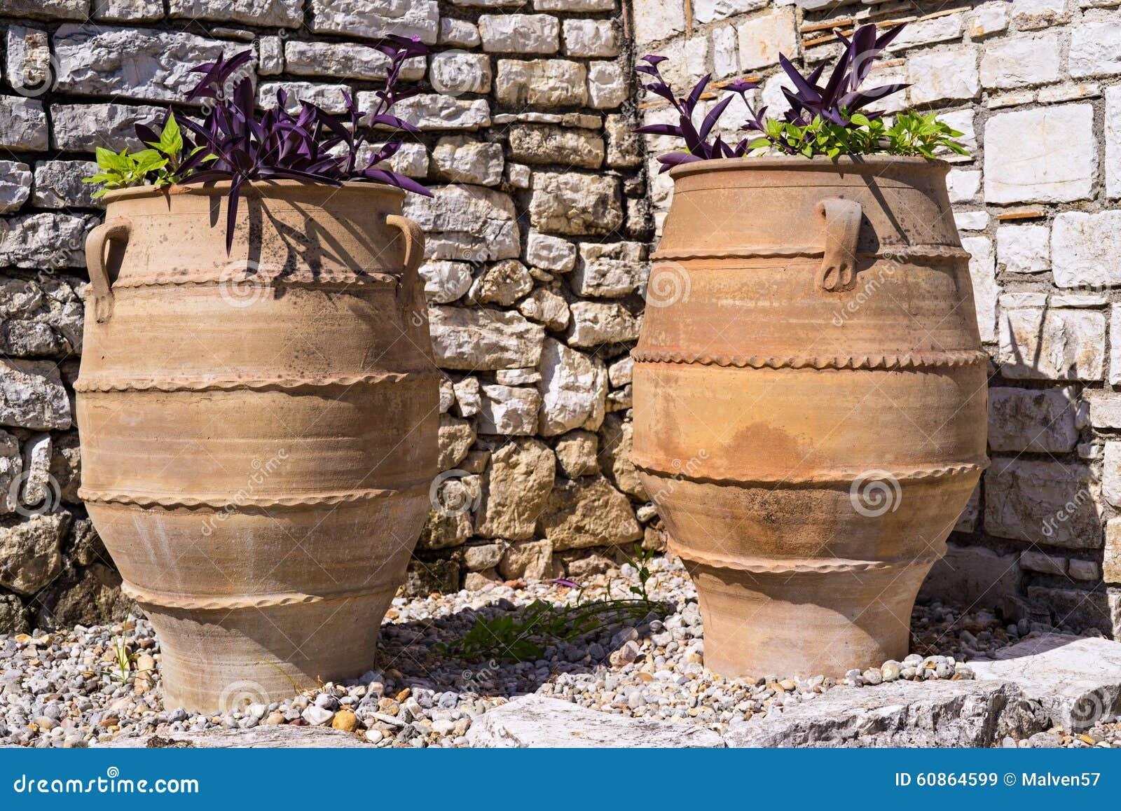 Grand pot de fleurs deux en c ramique de style du grec for Pot ceramique exterieur