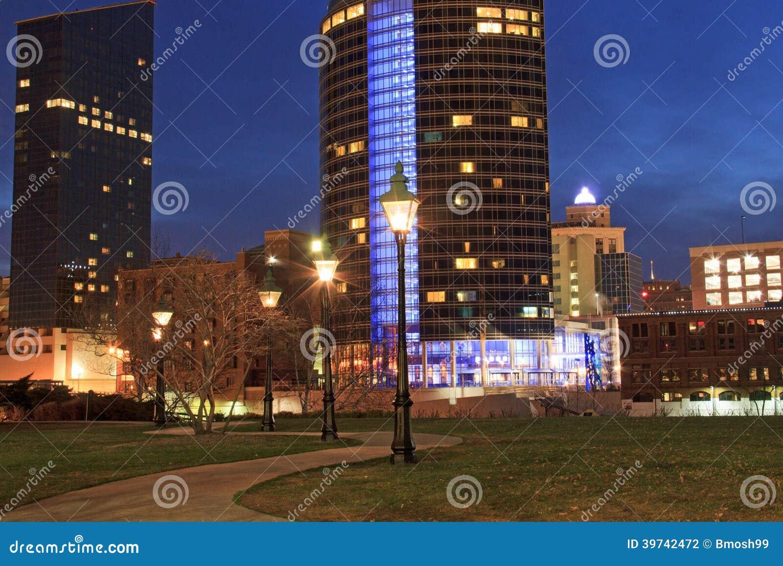 Grand Rapids del centro alla notte