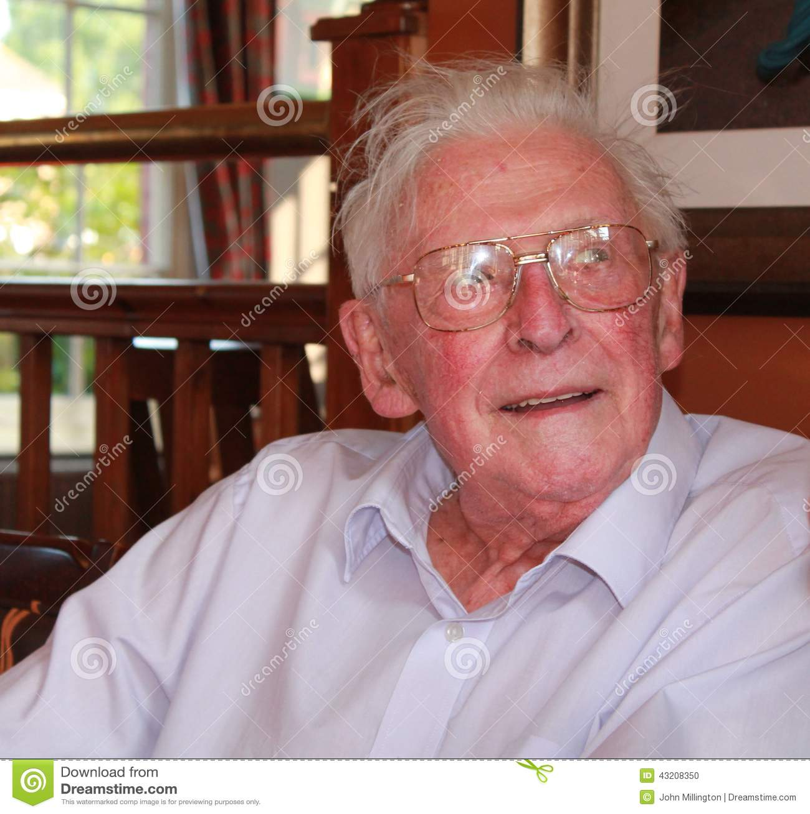 Download Grandad redaktionell foto. Bild av gammalt, åldring, grandad - 43208350