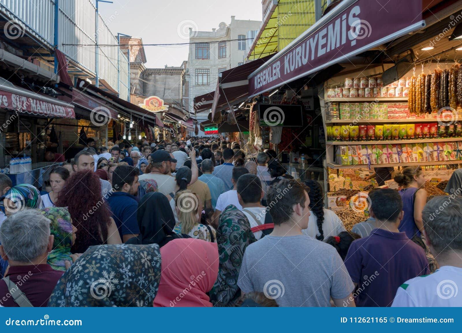 Grande bazar a Costantinopoli