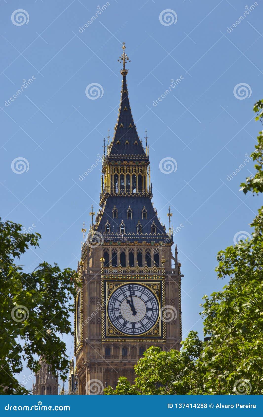 Grande Ben Tower