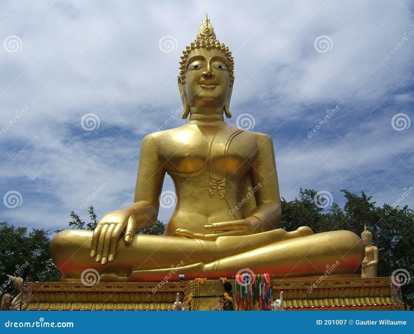 Grande Buddha dorato
