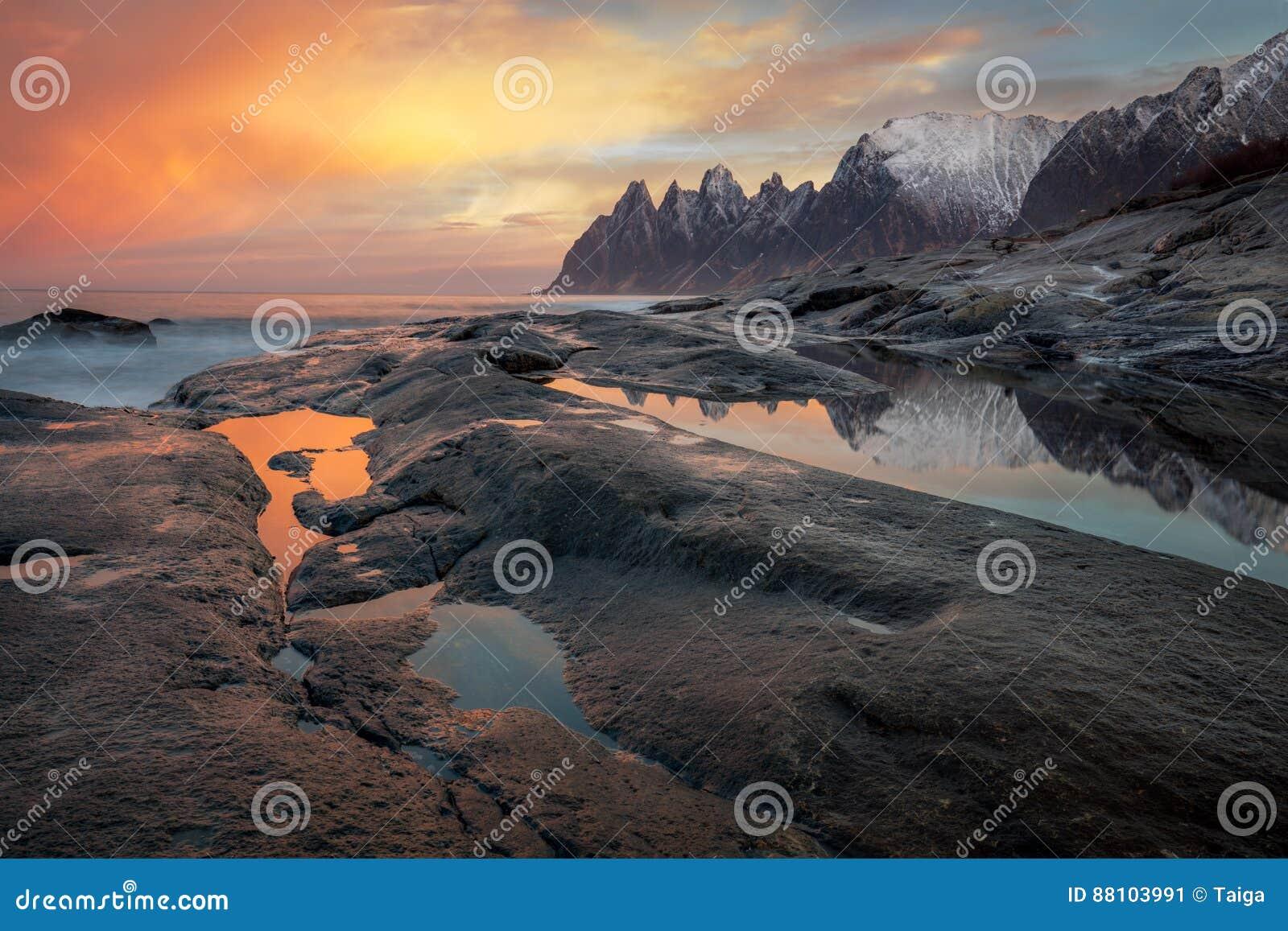 Grande céu dramático, Seascape, paisagem Natureza do norte selvagem