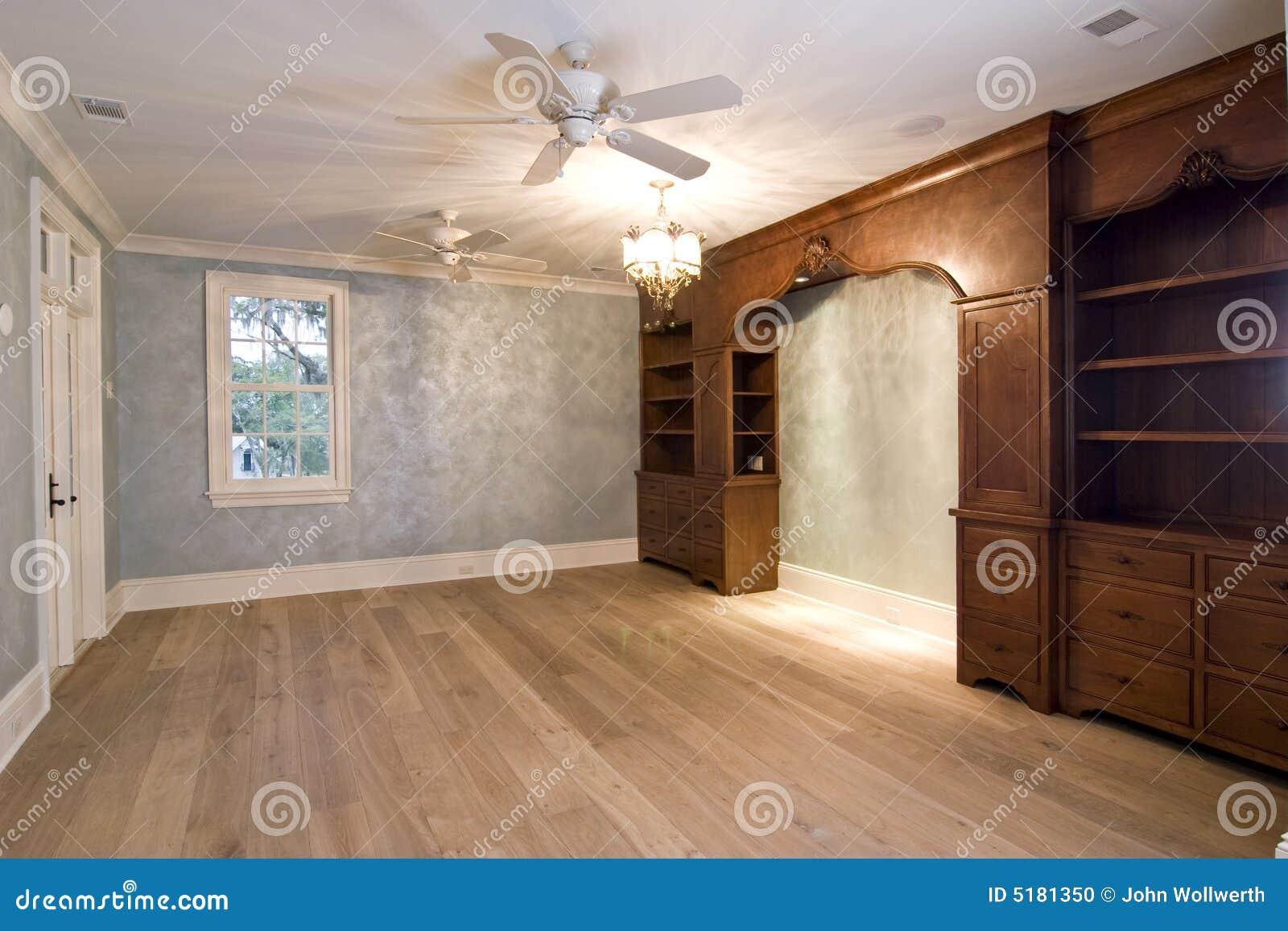 Grande Camera Da Letto Di Lusso Non Ammobiliata Fotografia Stock - Immagine: 5181350