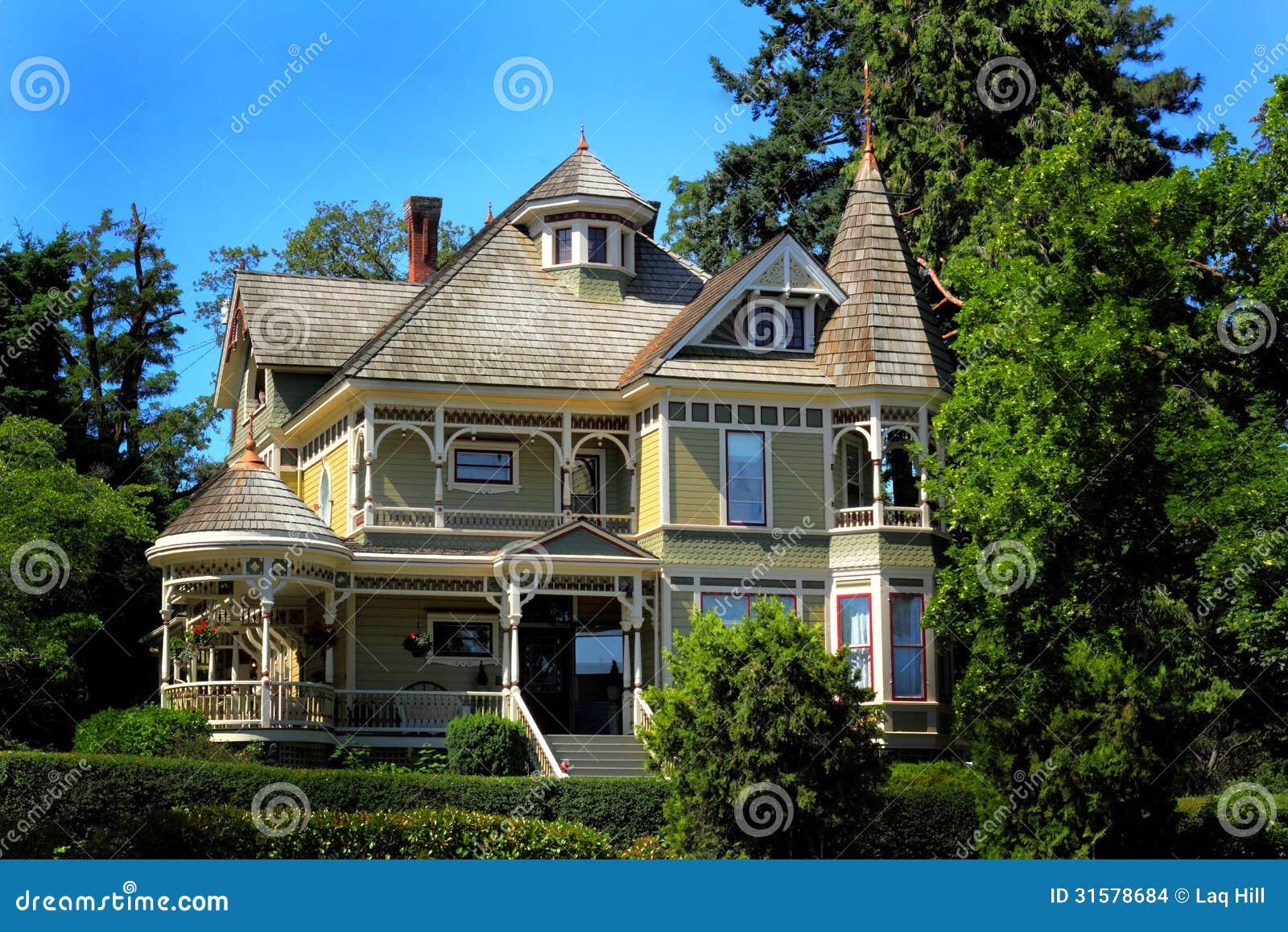 Grande casa histórica velha