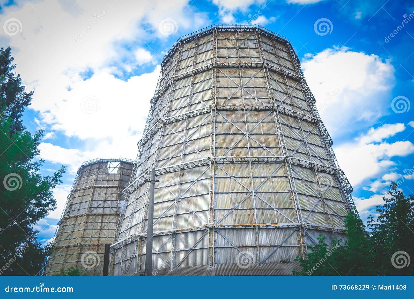 Grande central elétrica do thermal da chaminé