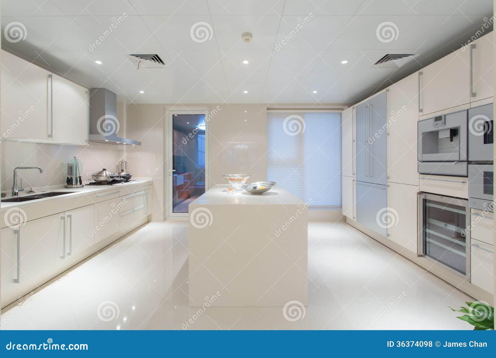 Grande cucina bianca
