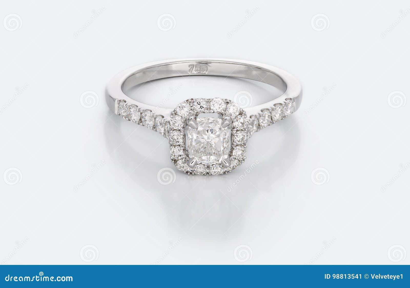 Grande Diamond Solitaire Engagement o fede nuziale