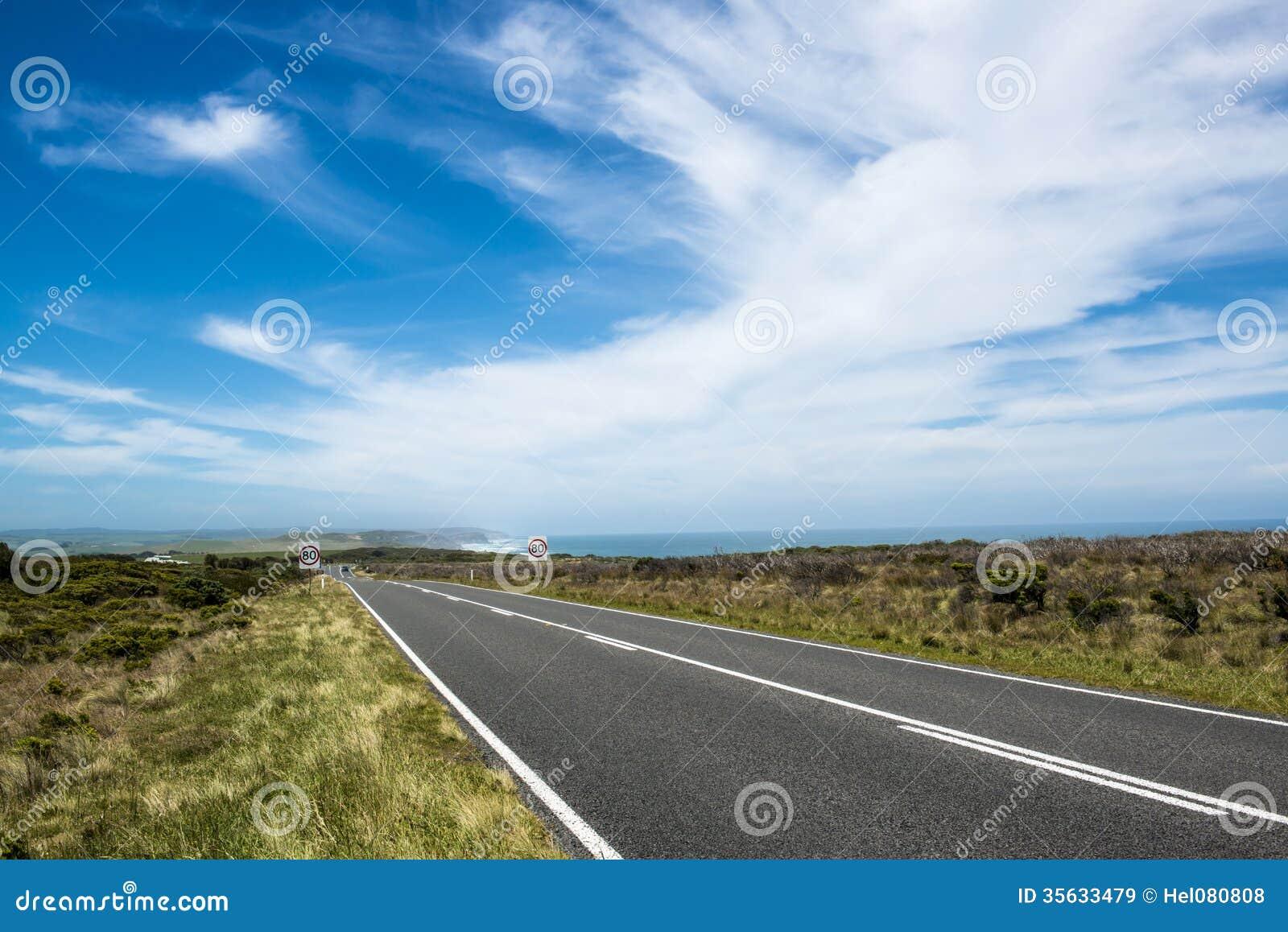 Grande estrada do oceano perto do apóstolo doze