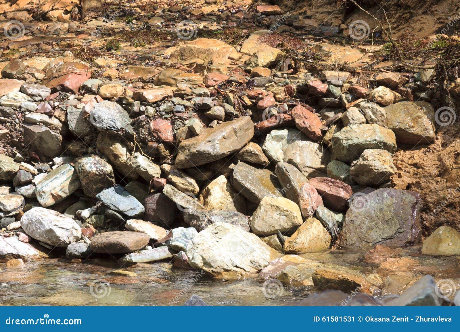 Grande flusso del fiume