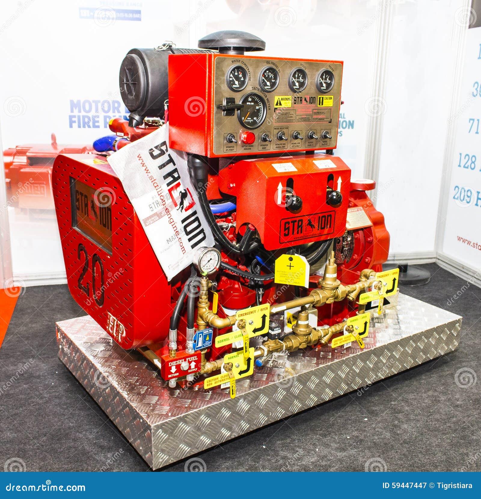 Grande generatore di corrente di dimensione fotografia for Generatore di corrente bricoman
