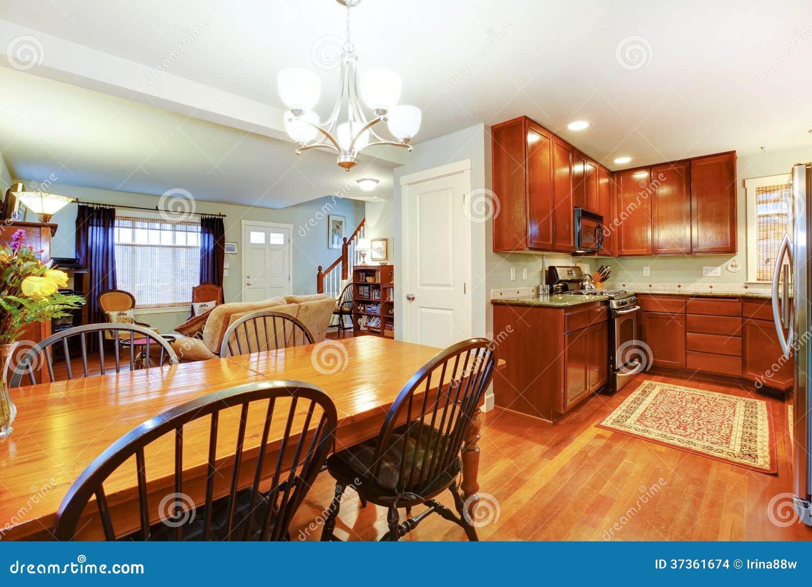 Grande ideia para um de plano aberto da cozinha do jantar e da sala  #7F3313 1300 957
