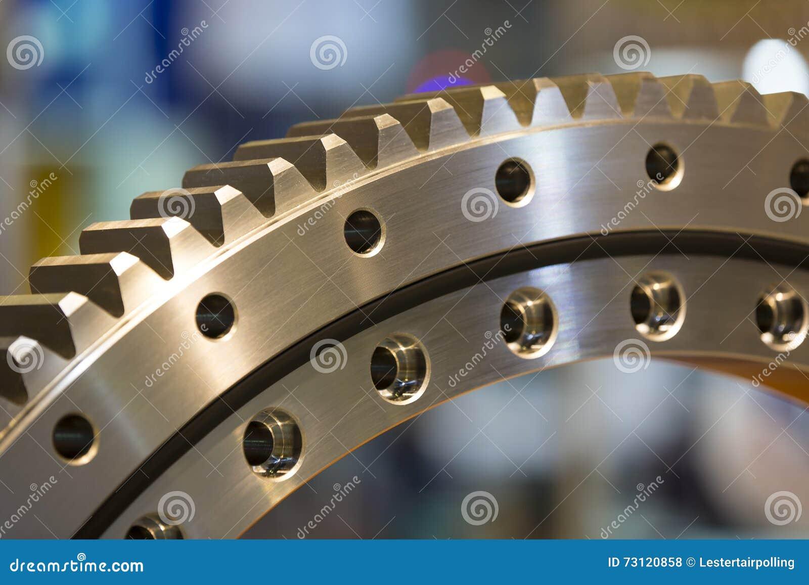 Grande ingranaggio d acciaio