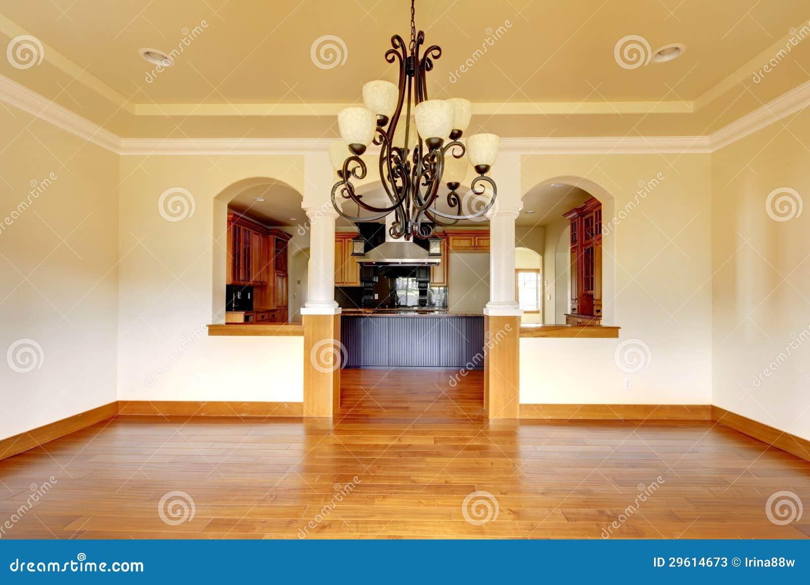 Grande interior luxuoso da sala de jantar com cozinha e - Arcos de ladrillo rustico ...