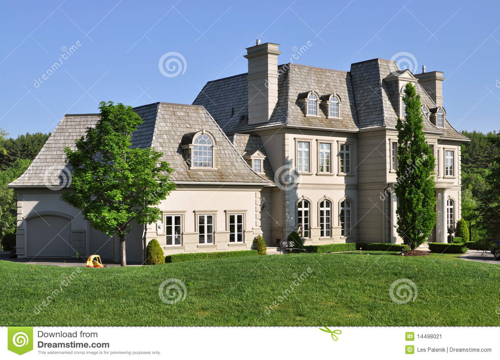 grande maison de luxe image stock image 14498021. Black Bedroom Furniture Sets. Home Design Ideas
