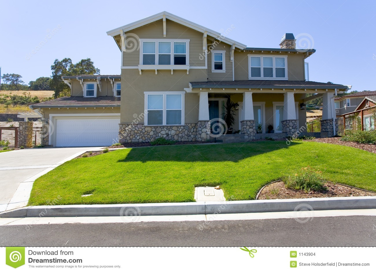 grande maison luxueuse images stock image 1143904. Black Bedroom Furniture Sets. Home Design Ideas