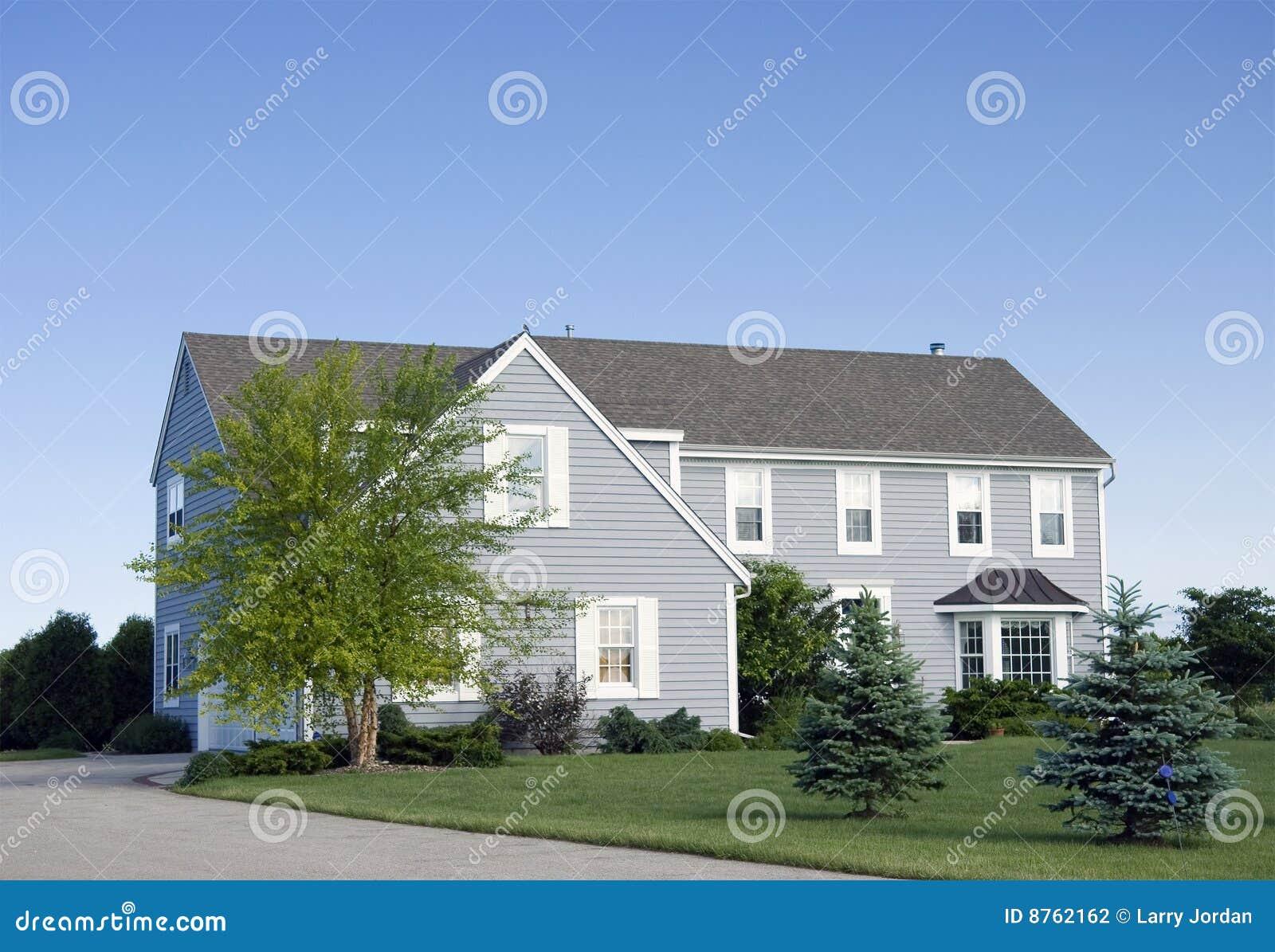 Grande maison moderne photo stock image du glace bois for Grande maison moderne