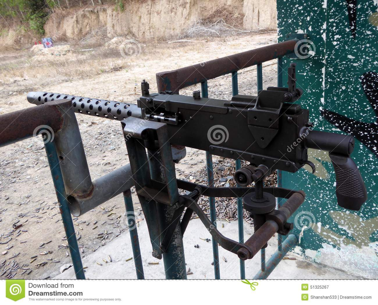 Grande metralhadora M30 automática