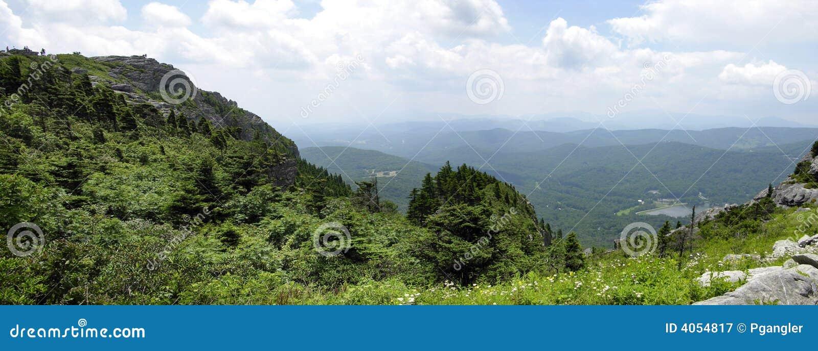 Grande montanha de Smokey panorâmico