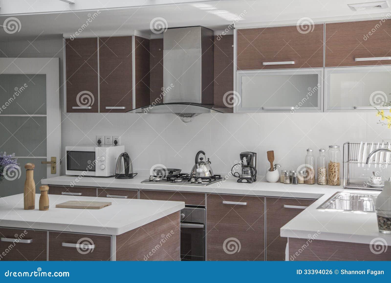 Grande ouverte moderne cuisine photo stock image for Grande cuisine ouverte